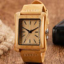 Elegante reloj de madera cuadrado con correa de cuero